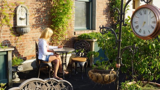 The Weinhard Hotel: Rooftop terrace garden Weinhard Hotel