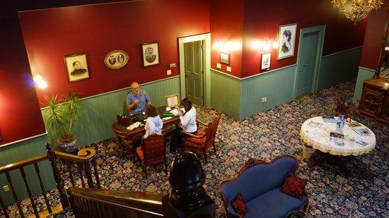 The Weinhard Hotel: Lobby