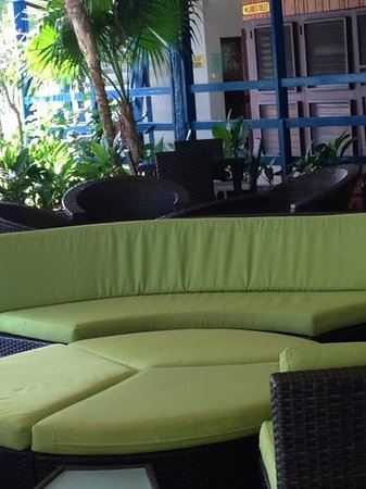 Negril Tree House Resort: inside hotel lobby