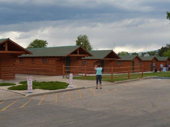 Buffalo Bill Cabin Village: Cabins