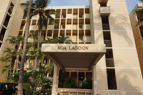 Koa Lagoon: front of the property