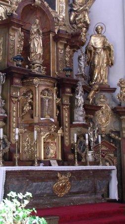 St. Thomas Church : altar relief
