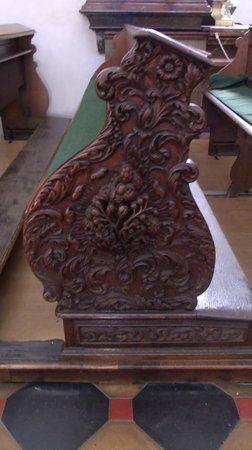 St. Thomas Church: church pew carving
