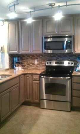 Sterling Sands Condominiums: Recently Renovated Kitchen