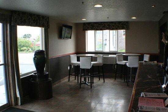 Cedars Ocean View Inn: Office Breakfast area