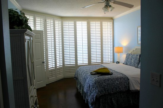 The Pearl of Navarre Beach: 201 Pearl, Master Bedroom