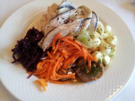 Brasserie de l'Ours: Salad Buffet
