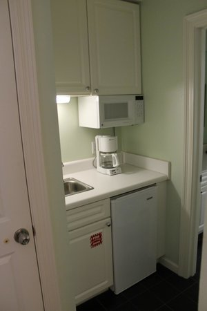 The Pearl of Navarre Beach: 201 Pearl, Mother-in-Law Suite kitchenette