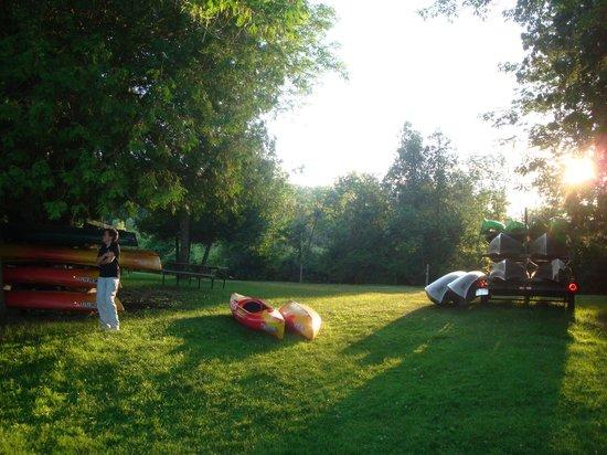 Hanmer's Riverside Resort & Livery : Kayak/Canoe launch area.