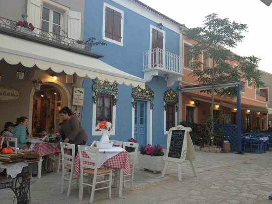 ROULAS GRILL, Fiscardo - Restaurant Reviews, Photos & Phone Number ...