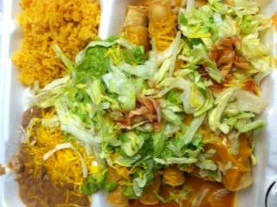 Sombrero: Beef Enchilada, 4-Rolled Tacos with Guacamole