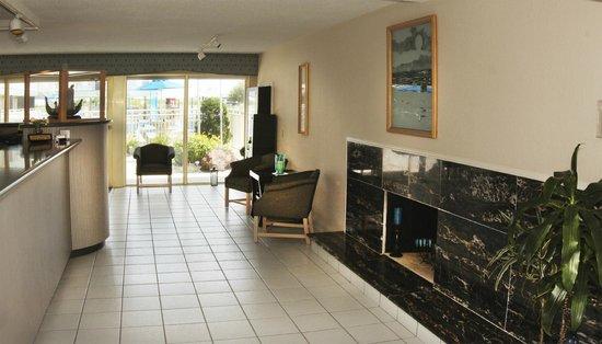 Attache Resort Motel: Office