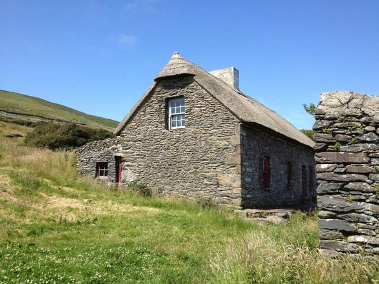 Irish Famine Cottages: The Famine House