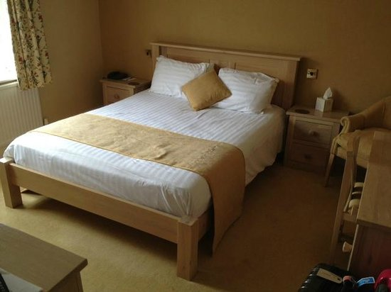 Cute double room picture of beverley tickton grange for Cute hotel rooms