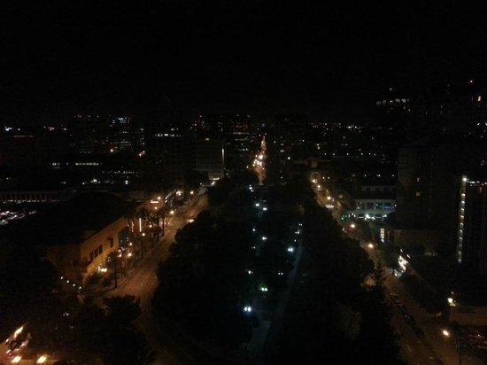 San Jose Marriott : Room 1900 View of Park at Night