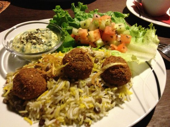 Crave : Falafel special with spinach dip