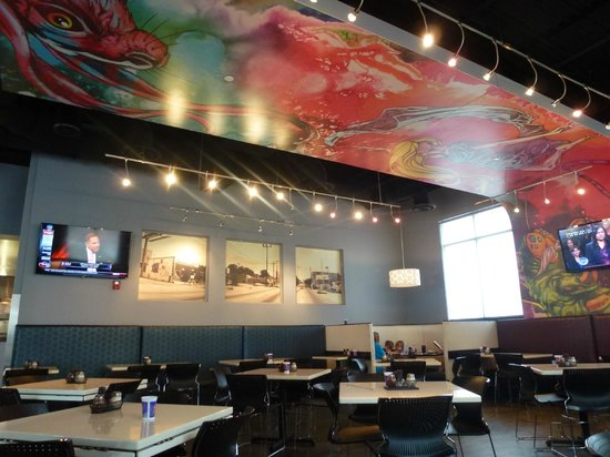 Mellow Mushroom: A view of one half of the dining room