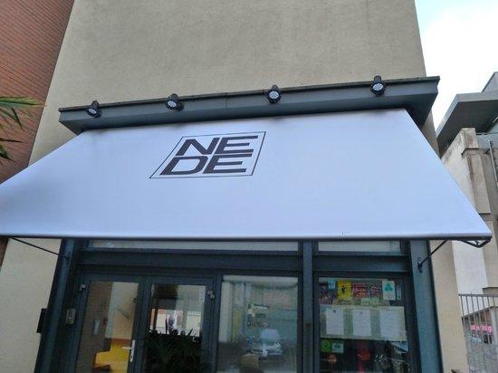 NEDE Restaurant: Entrance