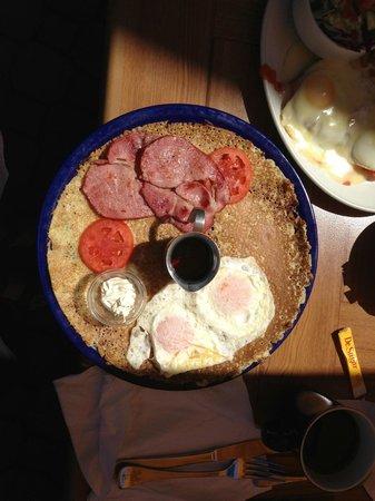 De Dutch Pannekoek House : De Dutch breakfast
