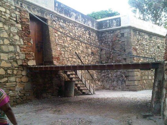 Pampatar, Venezuela: Entrada al Castillo San Carlos Borromeo
