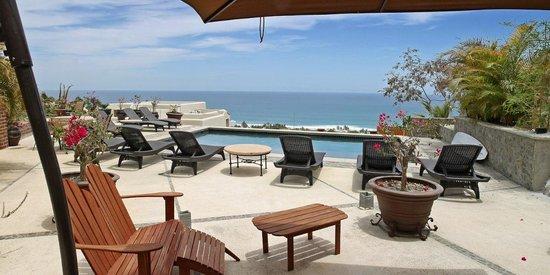 MariaMar Suites: Pool Terrace