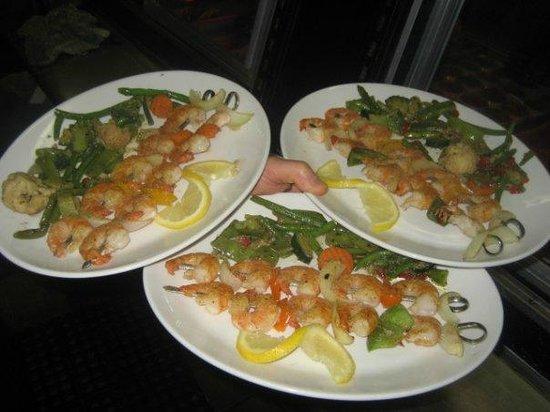 The Cook's Shop Restaurant : Shrimp Brochette Platter