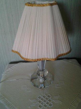 Sapore di Casa: Lamp in 3 person suite
