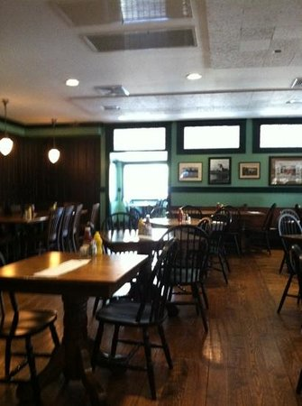 Donnelly's Shamrock Pub: inside