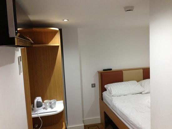 The Podworks Hotel: room 102
