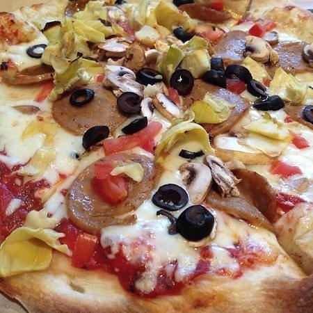 Barley's Taproom: Tuscan Pizza