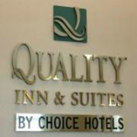 Quality Inn & Suites 1000 Islands: logo