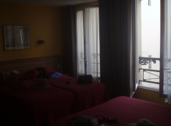 Hotel des Mines: Our Room