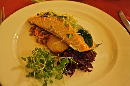 Gite du Mont-Albert: smoked salmon