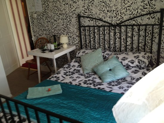 The Bay Guest House: A double room