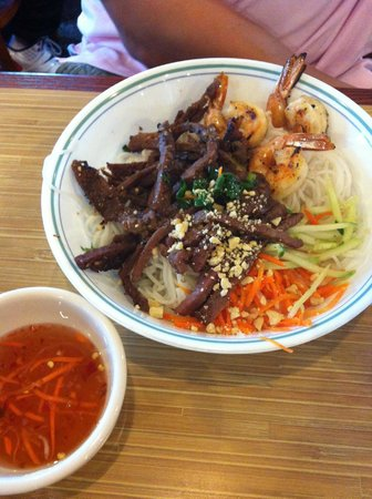 Quang Restaurant: Vermicelli with grilled beef