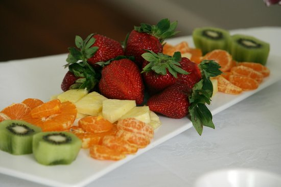 Waihi Beach Wellness: fresh fruit platter as part of breakfast for a day retreat