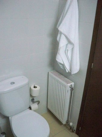 Hotel Dioscouri: bathroom2