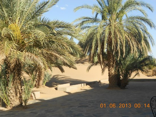Hotel Ksar Merzouga: arrière de l'hôtel...juste magnifique