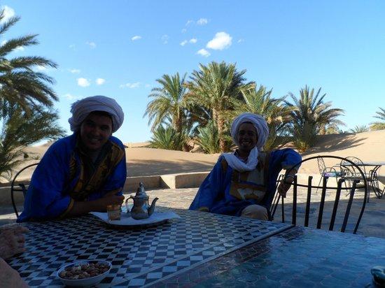 Hotel Ksar Merzouga: Le traditionnel thé à la menthe