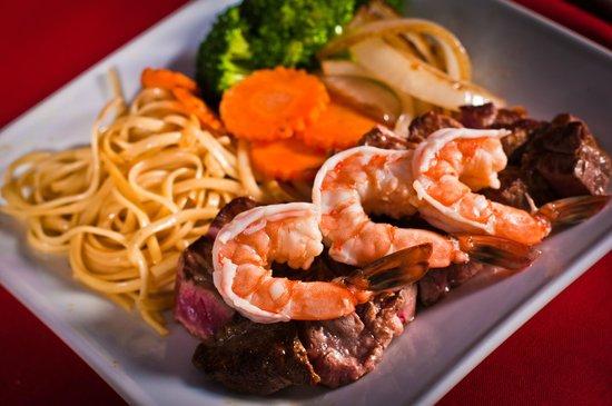 Kobe Japanese Steakhouse & Sushi Bar: Our hibachi dinner
