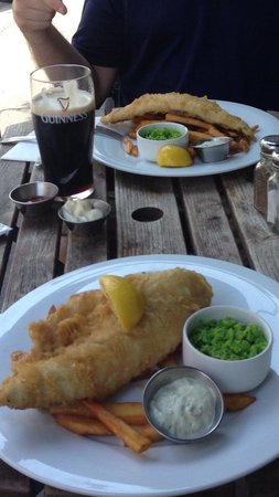 The Mitre in Lancaster Gate: Fish and chips!