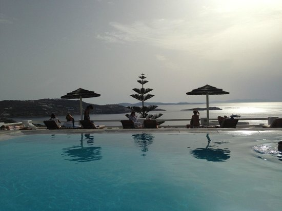 Alkyon Hotel: The Pool!