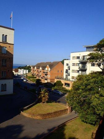 Denewood Hotel: Uitzicht kamer 14