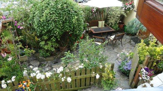 The Little Cornish B&B: The Garden