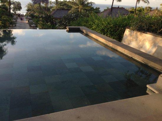 Wyndham Garden Kuta: infinity pool
