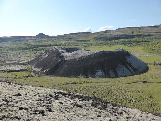 Grabrok Crater: cinder cone