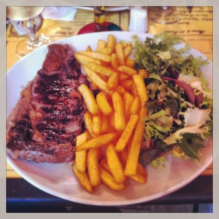 Le Chat Gourmand : Main: Beef & fries