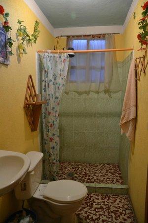 Hotel Jere: very clean bathroom