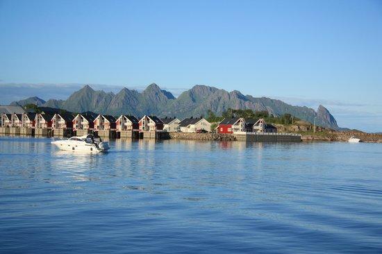 Thon Hotel Lofoten: Blick vom Hotel aus auf den Fjord