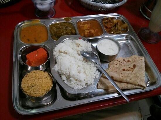 Sri Ananda Bahwan: North Indian thali set